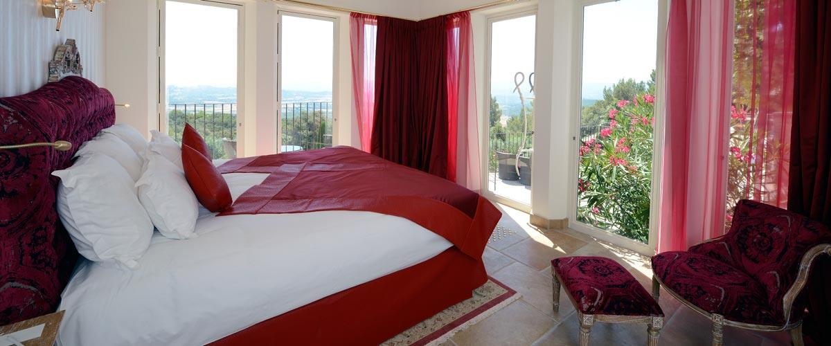 Chambre deluxe terrasse h tel le petit palais d 39 agla for Chambre 14m2