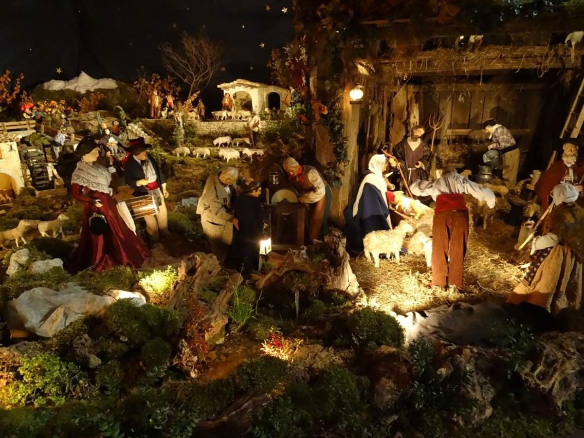 Santons et crèches de Noël  - Page 4 Creche-1b6b8